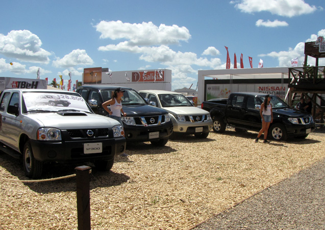 Nissan NP300 y Frontier en Expoargo 2011