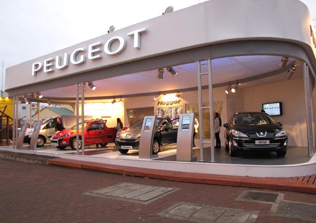 Stand de Peugeot en La Rural