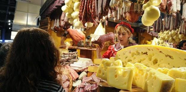 caminos_y_sabores-feria-queso-fiambre_