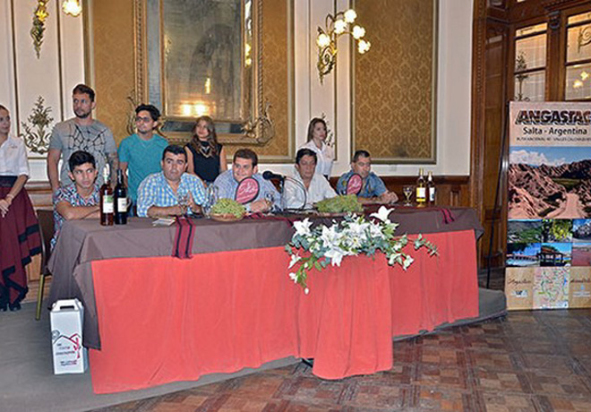 Festival uva y vino patero