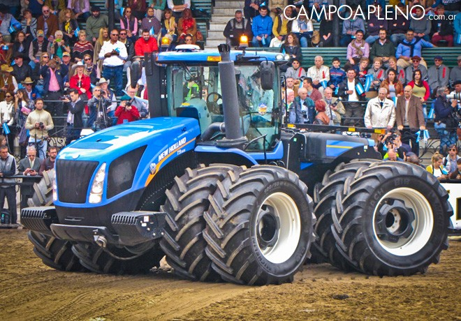 New Holland brillo en la fiesta inaugural de La Rural