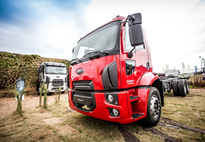 Ford Camiones incorpora nuevos modelos con transmisión automatizada Torqshift.