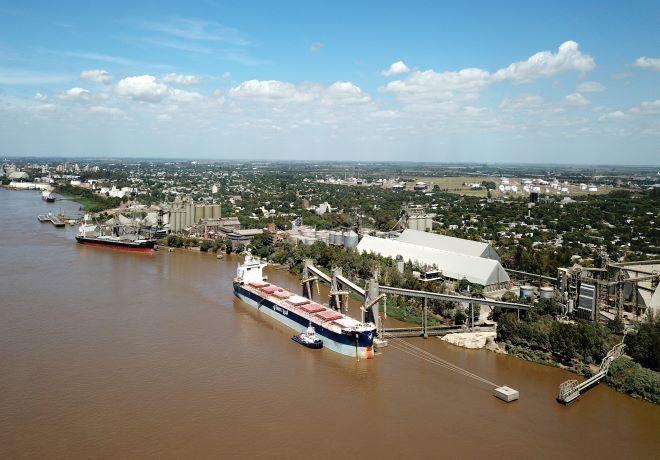 Comienza a ingresar la cosecha de trigo 2020/21 a los puertos del Gran Rosario.