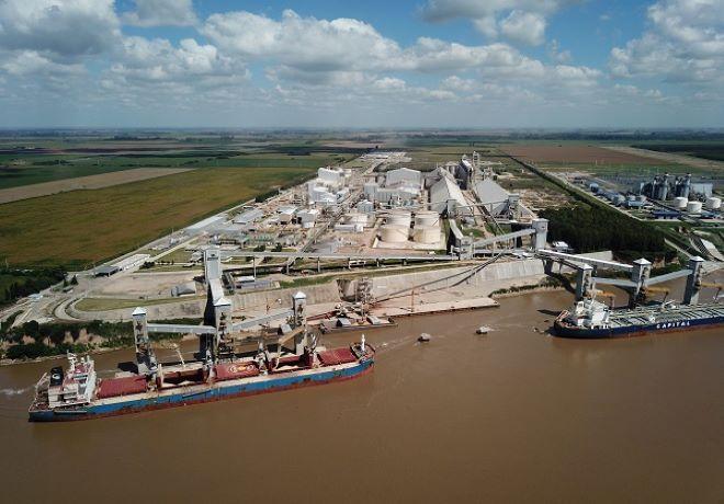 Las exportaciones de harina, aceite y poroto de soja alcanzarían el valor récord de US$ 20.400 millones en 2020/21.